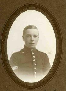 WV Douglas-Jones, 2nd Lt, 33rd Battery, 33rd Brigade, Royal Field Artillery.  kia 15 January 1915