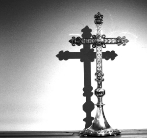 Silver, moonstone and amethyst cross designed for Radley College by George Sedding, 1910